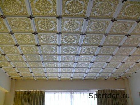 Клеевые потолки в доме