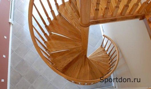 Правильный выбор винтовой деревянной лестницы